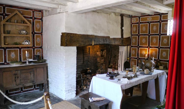Inside Shakespeare's House - Stratford-Upon-Avon